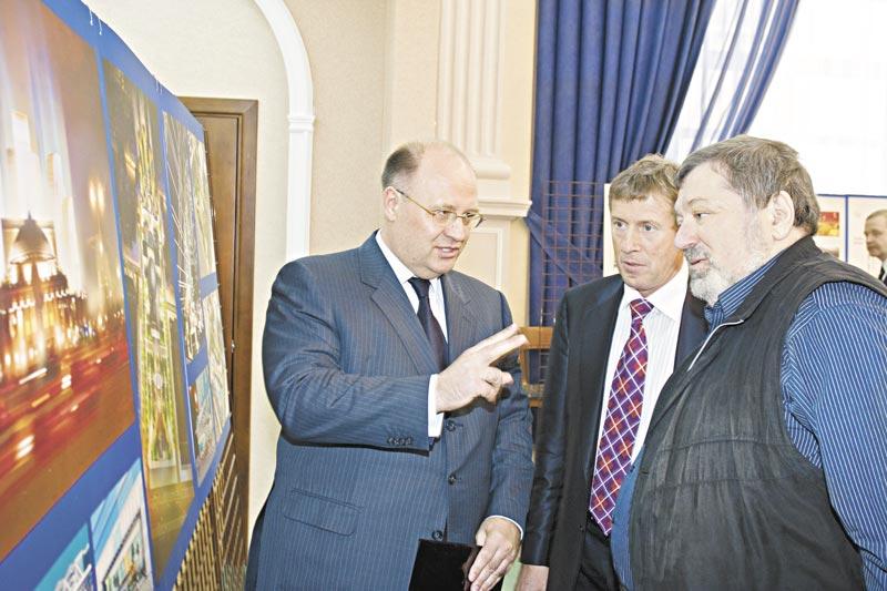 Борису Мездричу (на фото справа) не удалось реализовать свои планы развития Новосибирского оперного театра.