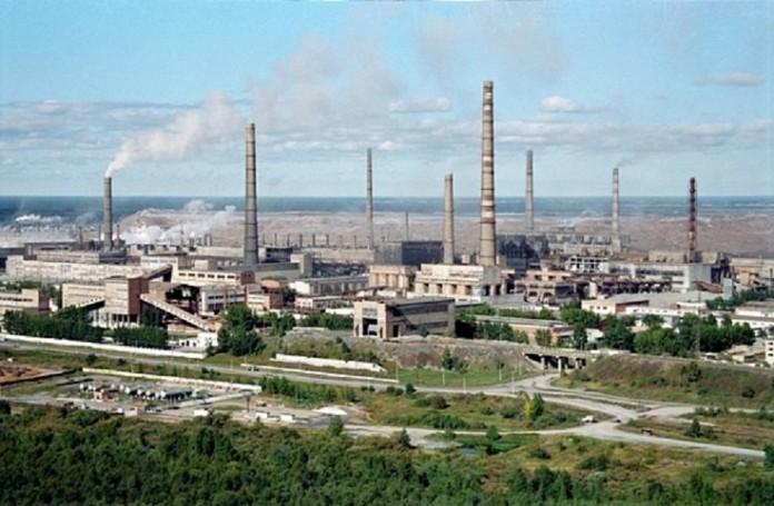 Технические стоки Ачинского глинозёмного комбината, который контролирует ОАО «РУСАЛ Ачинск», отравили более 10 га сельскохозяйственных земель.