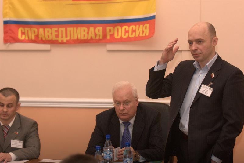 Анатолий Кубанов (справа)