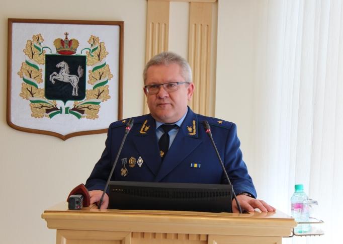 Виктор Романенко заявил, что более чем годовая работа в должности первого заместителя прокурора убедила его в высоком профессионализме вверенного коллектива.