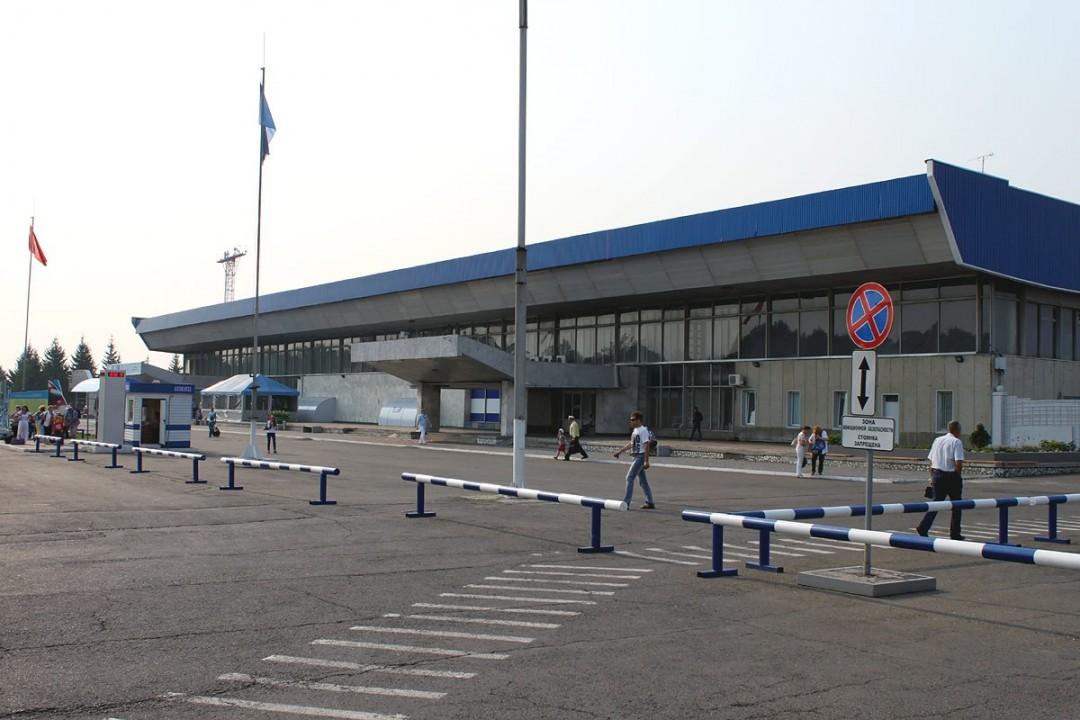 После запуска нового пассажирского терминала аэропорта «Емельяново» в 2017 году пропускная способность терминала составит 2,5 млн пассажиров в год.