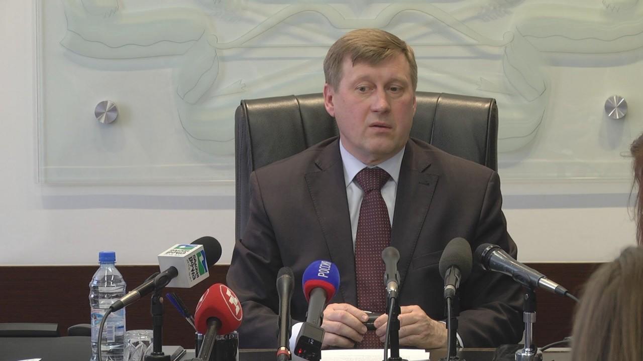 Анатолий Локоть обеспокоен тем, что Демкоалицию, как он полагает, финансирует Конгресс США.