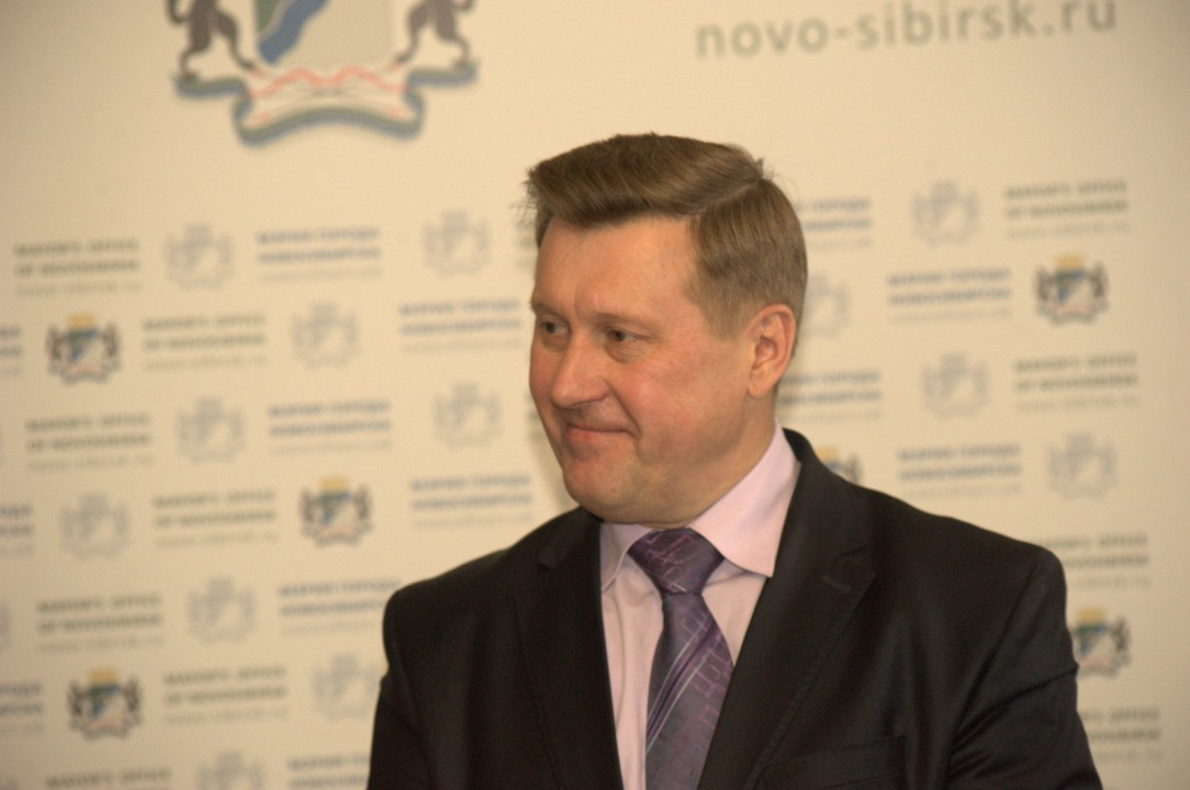Отмену прямых выборов глав муниципальных образований мэр Новосибирска Анатолий Локоть считает ошибочным ходом.