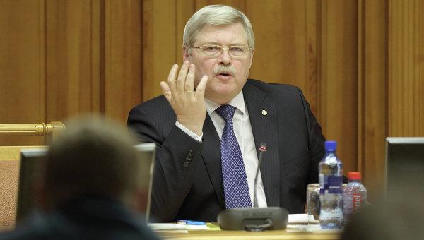 Сергей Жвачкин призвал перестать «размазывать средства одинаковым тонким слоем».