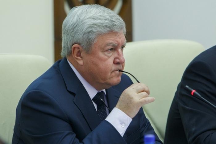 Полпред президента в СФО Николай Рогожкин призвал сибирских губернаторов в кратчайшие сроки проанализировать ситуацию на дорогах.