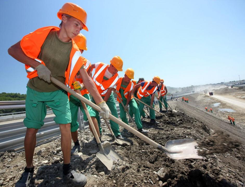 Кроме стройки аквапарка бойцов стройотрядов НСО привлекут к дорожным работам и другим мероприятиям.