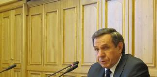 Владимир Городецкий поручил отраслевым министерствам и ведомствам к 1 сентября разработать пакет предложений по снижению эффекта от факторов, сдерживающих рост инвестиционной привлекательности Новосибирской области.