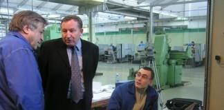 Губернатор Алтайского края Александр Карлин заявил, что федеральные структуры уже начали формировать госзаказ для размещения на Алтайском заводе прецизионных изделий (на фото) и Алтайском шинном заводе.