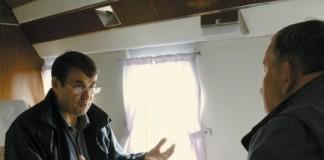 Игорь Левитин (слева) считает, что задача властей - сделать льготные билеты в Алтайский край действующими и в «мёртвый» туристический сезон. Фото: пресс-служба администрации Алтайского края