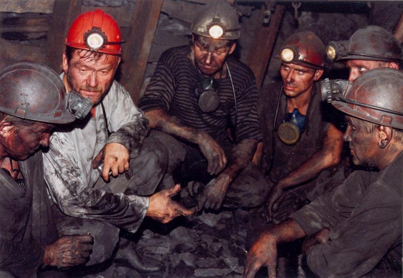 На многих угольных предприятиях Кемеровской области нарушают режим труда и отдыха шахтёров.