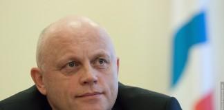 Виктор Назаров уже не первый месяц возглавляет медиарейтинг глав регионов СФО.