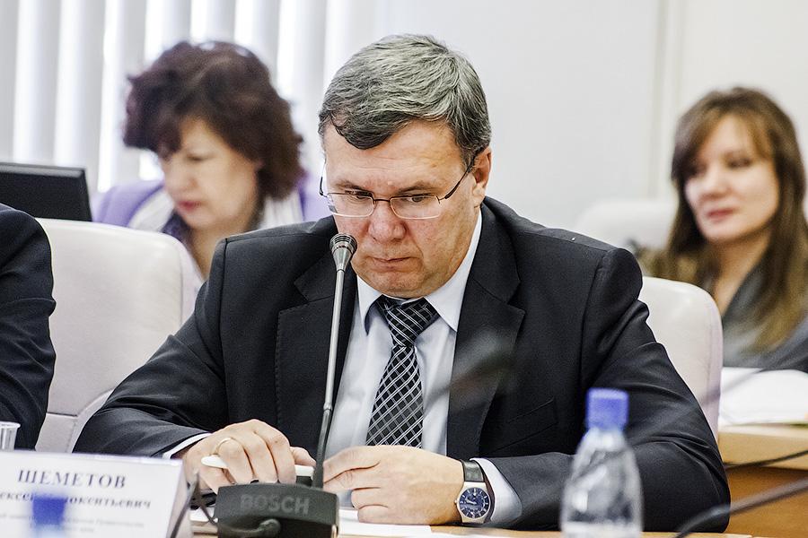 За участие в подписании протокола с «Хуаэ Синбан», первый вице-премьер забайкальского правительства Алексей Шеметов получил предостережение от прокуратуры.