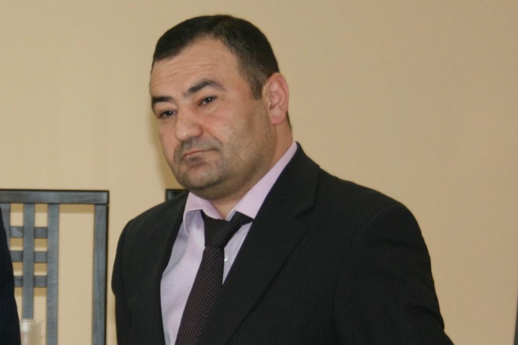 Арама Суварянап подозревают в получении взятки, которую он якобы получил за действия в интересах одного из индивидуальных предпринимателей Новосибирска.