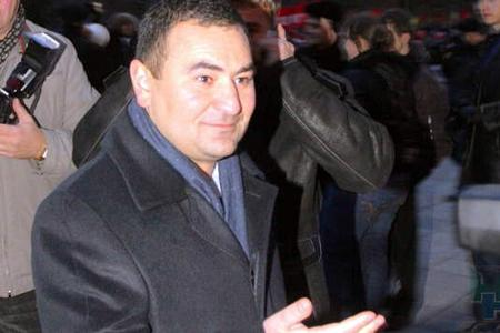 Согласно решению аппеляционной инстанции Новосибирского областного суда Арам Суварян останется под стражей пока не кончится лето.