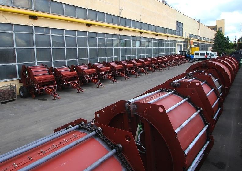 Почти 1,8 тыс. единиц сельской техники произвели в 2015 году алтайские машиностроители.