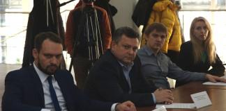 Директор по развитию «Сибтрансавто» Андрей Назаренко последовал курсу на импортозамещение и сменил американский GM на российский УАЗ