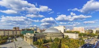 Администрация новосибирского театара оперы и балета намерена отреставрировать здание театра и благоустроить прилегающую территорию не более, чем за 179 млн руб.