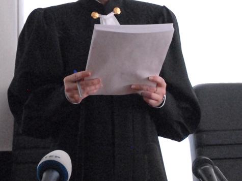 Тайшетский мировой судья постановил взыскать с лесоторговой компании ООО «ТиграН» 1 млн руб. за попытку дать взятку прокурорскому работнику.