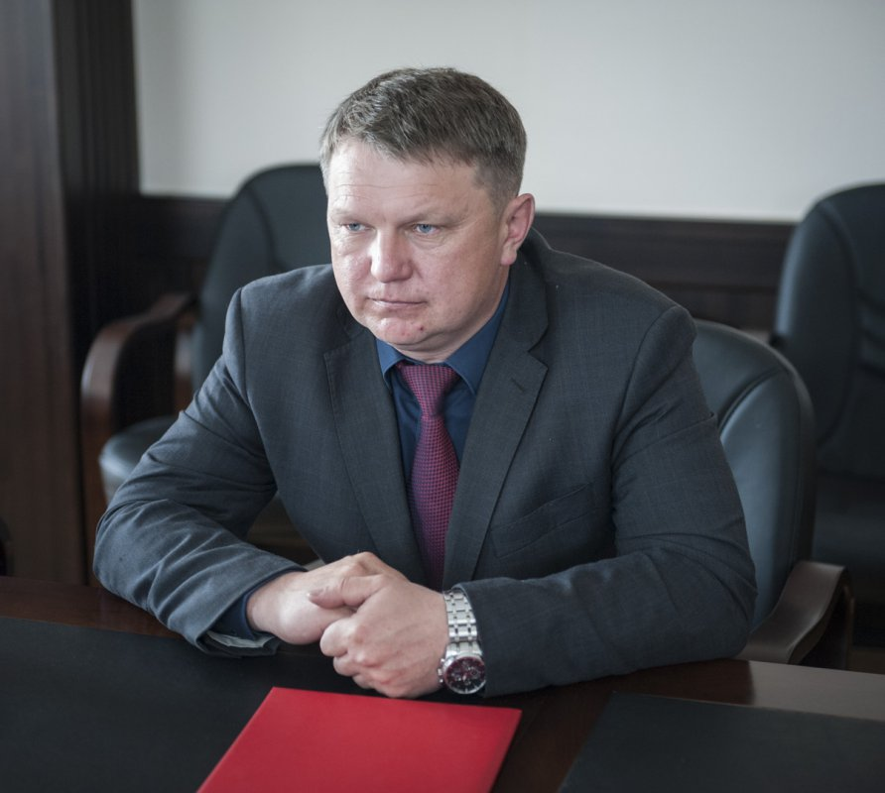 Деятельность главы лесного хозяйства Бурятии, Алексея Щепина, не удовлетворила руководителя региона Вячеслава Наговицына, в связи с чем чиновника отправили в отставку.