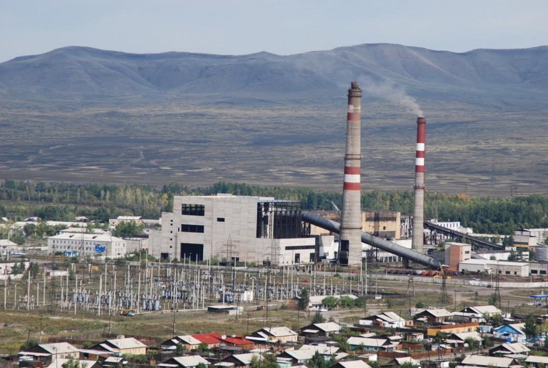 Степень готовности объектов инфраструктуры тувинского ТЭК к новому отопительному сезону оценивают в 61%. На фото - ТЭЦ Кызыла.