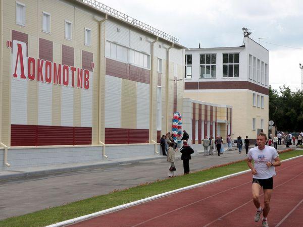 ЗапСибЖД не первый год пытается избавиться от спортивного сооружения - стадиона «Локомотив», как от непрофильного актива.