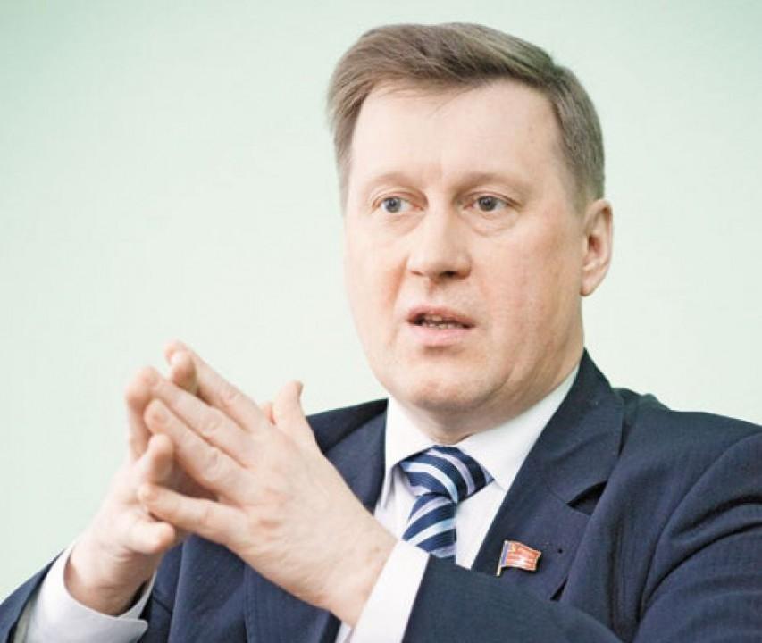 Мэр Новосибирска Анатолий Локоть счёл необходимым перенести полемику с ОНФ относительно своей будущей пенсии - в судебное поле.