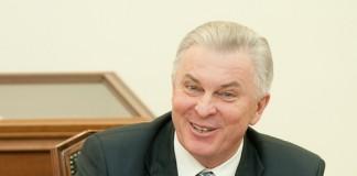Глава Бурятии Вячеслав Наговицын не скрывает воодушевлённого удивления от показателей экономики, растущих вопреки кризису.