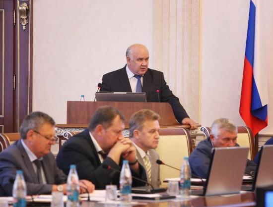 Министр промышленности и торговли НСО Николай Симонов рассказал коллегам о сводном индексе потребительских цен.