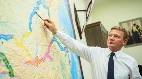 Глава Росавтодора Роман Старовойт согласился с доводами г-на Тулеева о необходимости построить вокруг Кемерово объездную дорогу.