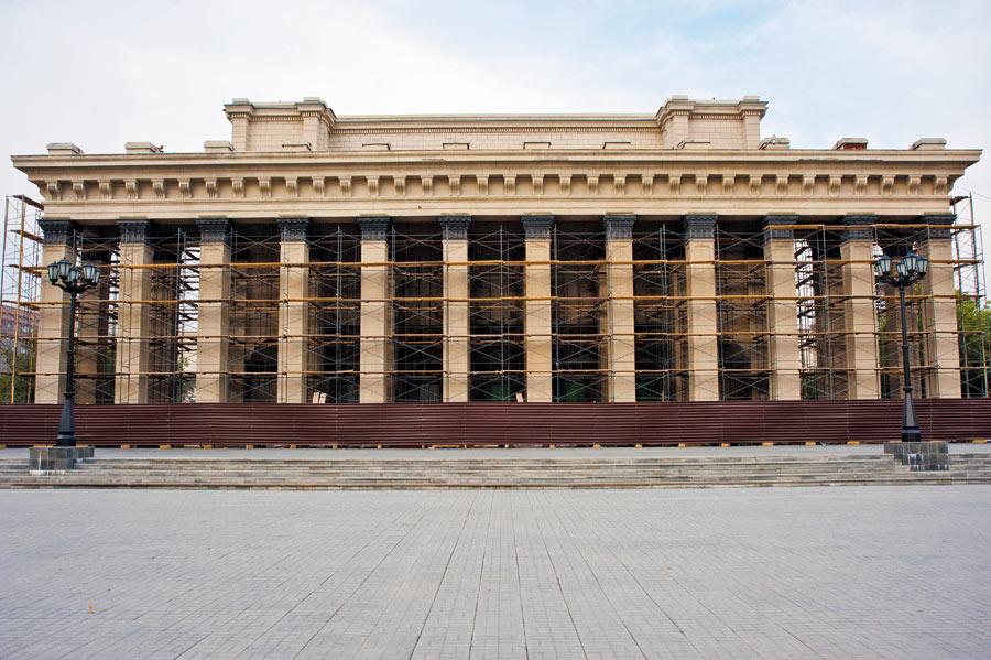 Новосибирский Оперный театр на реставрации