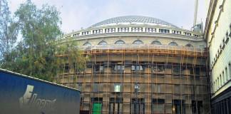 Ремонт в оперном театре