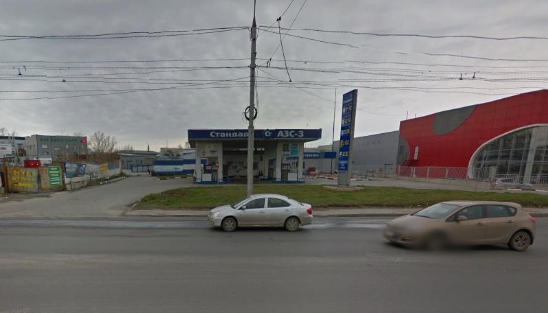 Одна из сети АЗС (на ул. Ватутина), пользование которыми ФАС согласовала по ходатайству ООО «РН-Новосибирскнефтепродукт».