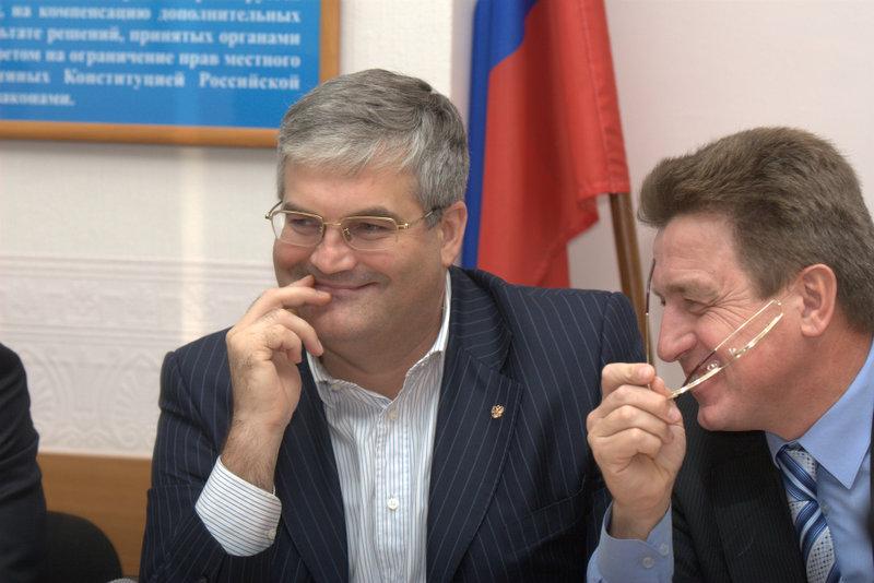 Вячеслав Илюхин (слева)