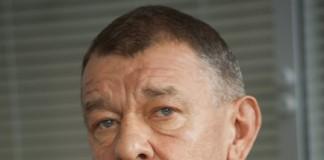 Президент совета директоров ОАО «Электроагрегат» Александр Одинец полагает, что миноритарии, выдвигающие к предприятию существенные материальные претензии, стали акционерами «Электроагрегата», чтобы подать иск против топ-менеджмента ОАО.