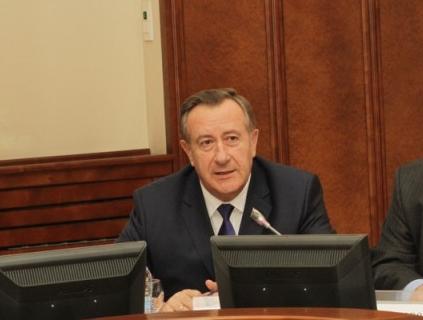 Спикер заксобрания НСО пятого созыва Иван Мороз со значительным перевесом обогнал своего соперника Александра Кулинича в ходе партийной конференции.