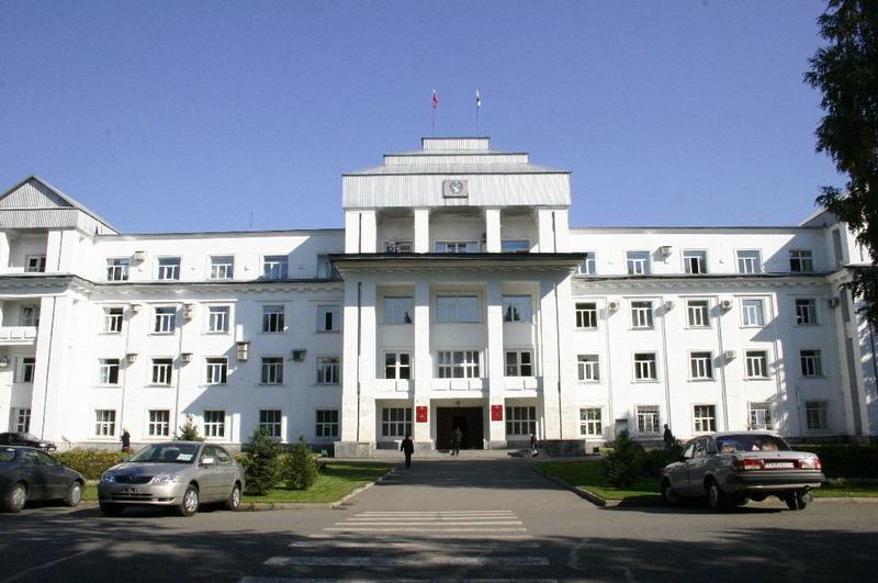В правительстве республики Алтай отмечают рост налоговых и неналоговых доходов, однако уже известно, что частично этот рост обеспечен переплатой налогов, допущенной некоторыми крупными плательщиками.