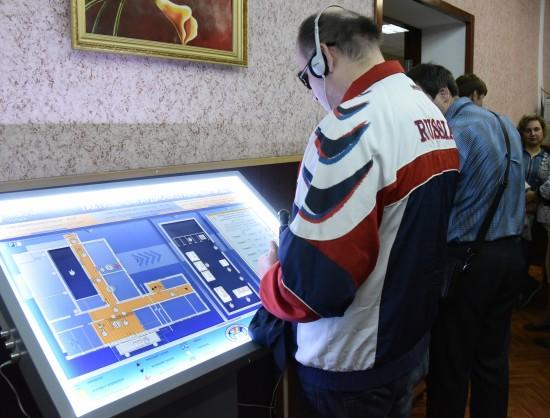 Новосибирские аудиовизуальные тактильные модули, позволяющие незрячим и гражданам с другими ограничениями здоровья осуществлять свой гражданский долг, заинтересовали представителей Центризбиркома РФ.