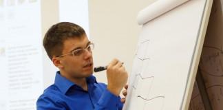 По мнению директора компании «Диалогика» Артема Коваленко (на фото), прежде, чем вкладывать последние деньги в обучение, необходимо разобраться: а есть ли в компании внутренние ресурсы для увеличения эффективности.