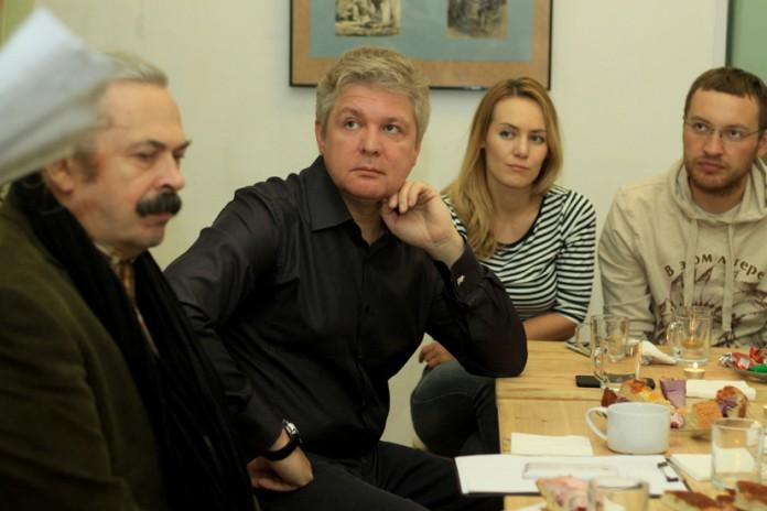 директор по развитию проектов ГК «Новоград» Максим Марков (в центре)