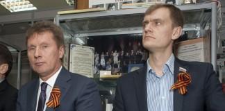 Александр Манцуров (слева)