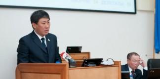 Председатель комитета по экономической политике Вячеслав Ирильдеев стал вице-спикером Народного Хурала с третьей попытки.