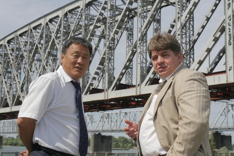 Евгений Шестернин (справа)