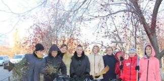 Администрации Дзержинского района Новосибирска благодаря работе в соцсетях удалось мотивировать множество интернет-пользователей присоединиться к традиционному осеннему субботнику. Фото: vk.com