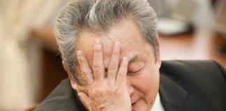 Сенатор от республики Бурятия Арнольд Тулохонов опасается, что из-за смены иркутского губернатора, ему придётся повторить трудоёмкие попытки скоординировать встречу губернаторов трёх байкальских регионов.