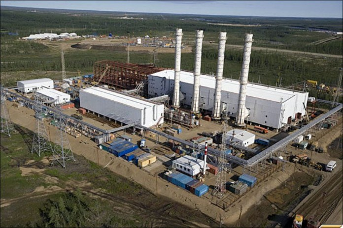 В вопросе развития нефтяной промышленности и увеличения объёмов добываемого сырья правительство края рассчитывает как на существующие мощности - Ванкорское нефтегазовое месторождение (на фото), так и на новые нефтяные поля, добычу на которых ещё предстоит запустить.