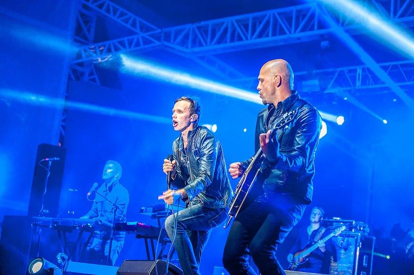 Для каждого города России, где проводился концерт, Lenovo выбирал своего исполнителя. В Новосибирск компания привезла латышскую группу Brainstorm. Фото организаторов.