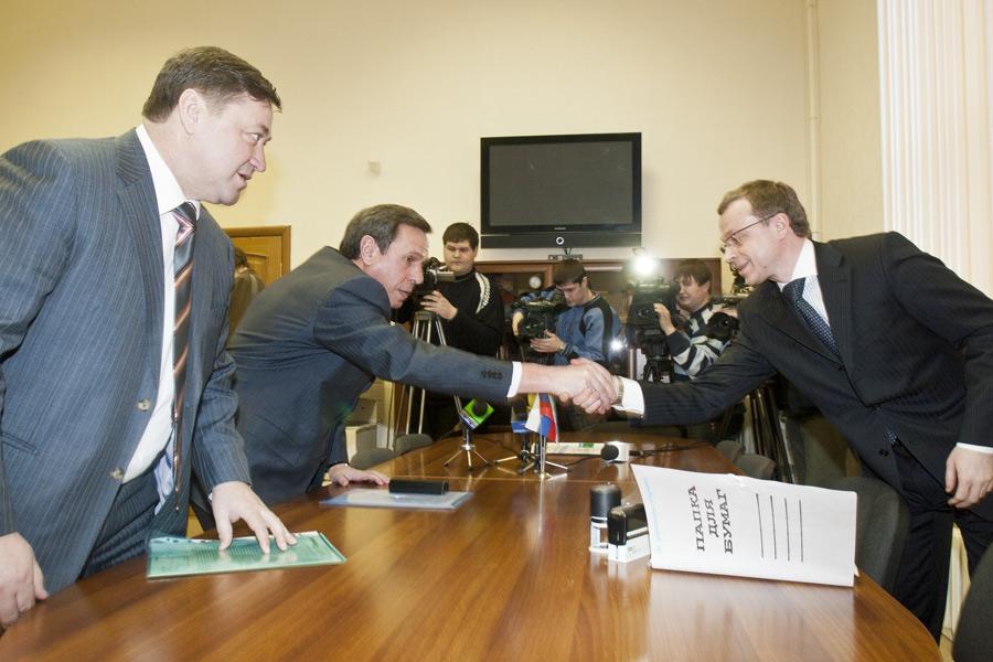 Юрий Петухов (справа), Владимир Городецкий (в центре)