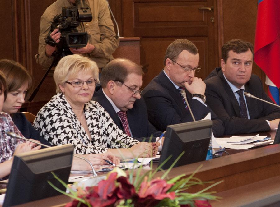 Ольга Благо (вторая слева)