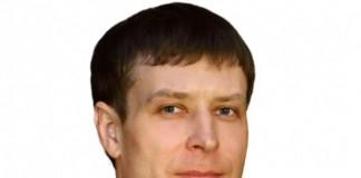 Максим Авдеев, ставший главой аппарата губернатора при экс-губернаторе Сергее Ерощенко, дослужился до министра всего за несколько месяцев.