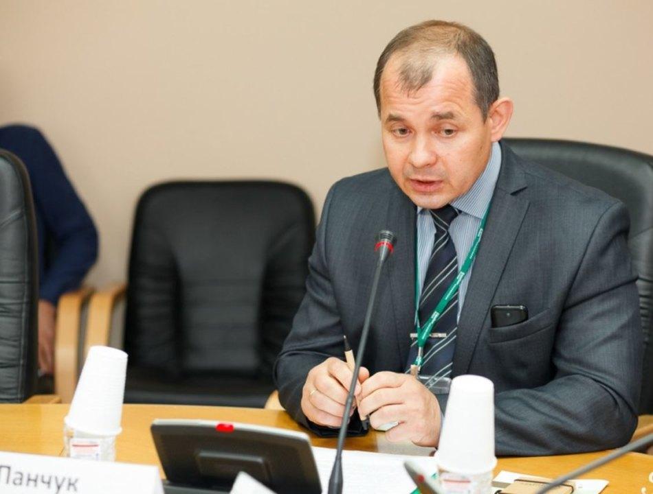 Как полагает следствие, в прошлом году Юрий Панчук сфабриковал документы о проведении уборки стоимостью в 17,7 млн руб. на территории одного из лесничеств края.